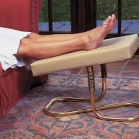 Flexible Padded Leg Rest